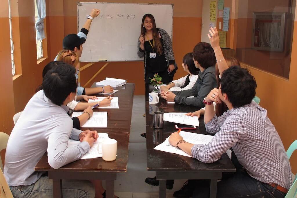 留学費用を大幅に抑えて、徹底的な集中型英語教育!フィリピン留学なら短期でもみるみる英語力UP!