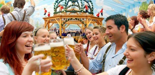 イベントマネジメント専攻の学生がドイツのオクトーバーフェストに行ってきました!