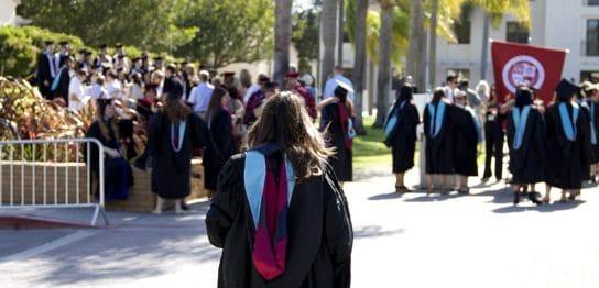 アメリカの大学進学は日本と違って柔軟性が高い。専攻分野だけでこうも違う。