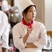 グリオン大学の学生が運営するレストラン「Hotel des Alpes」 とは!?