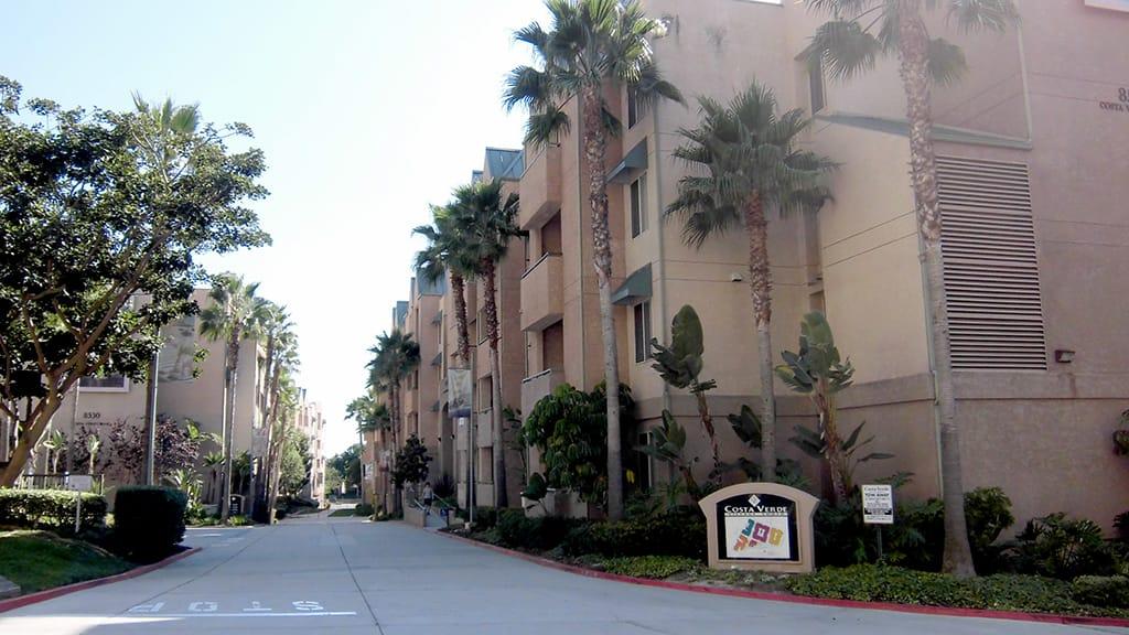カリフォルニア大学ハウジング