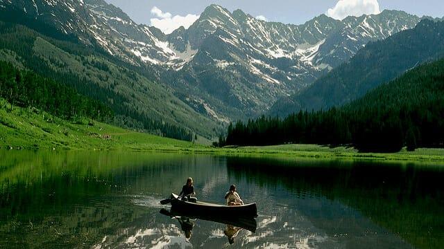 ロッキー山脈の麓で大自然に囲まれて