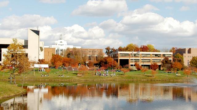 ジョージメイソン大学 フェアフ...